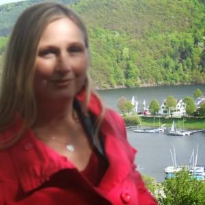 Екатерина -психолог -практик свыше 20 лет.Помощь